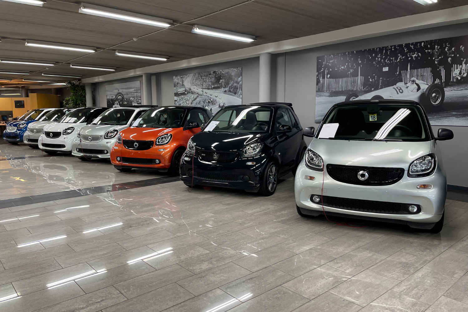 Mercedes Deman showroom